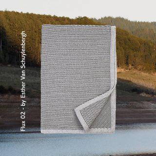 [ FLUX 02 ] - Flux 02 è il secondo plaid della serie Flux. In questo prodotto tessile realizzato con tutta la nostra sapienza si rincorrono piccoli pattern geometrici e colori a contrasto creando una composizione unica. - Flux 02 is the second plaid in the Flux series. In this textile product made with all our wisdom, we chase small geometric patterns and contrasting colors creating a unique composition. - #lanificioleo #flux #plaid #lana #esthervanschuylenbergh #alessiamusolino